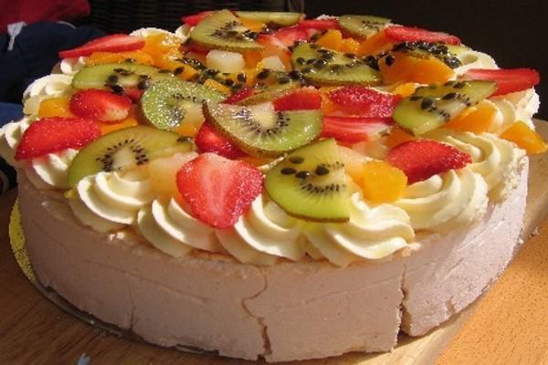Australian pavlova dessert for Australian modern cuisine